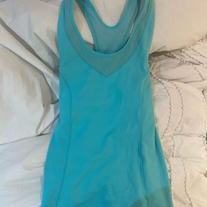 lulu tank w/ built in bra